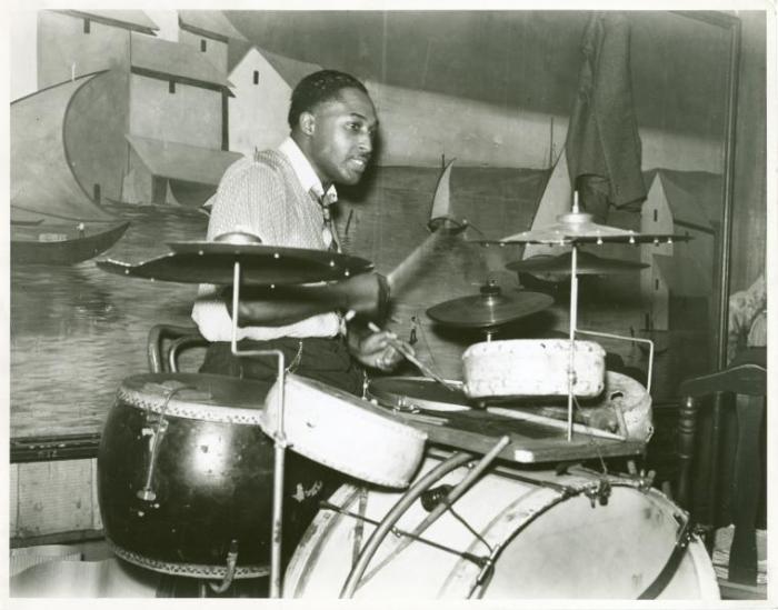 Juke_joint_drummer